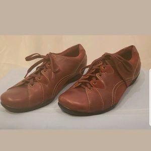 Womens Preowned Taos Sz 9  Suede And Leather Shoes